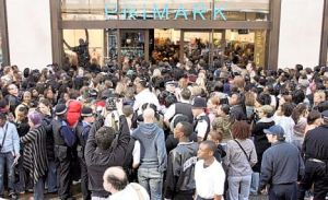 Police are called due to unexpected large crowds at the opening of Primark Oxford Street, April 5, 2007, in central London.