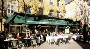 Still popular - the tourists' favourite in the cours Mirabeau
