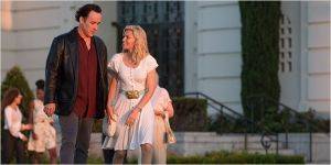 John Cusack as the older Brian Wilson with car-saleswoman Melinda (Elizabeth Banks)