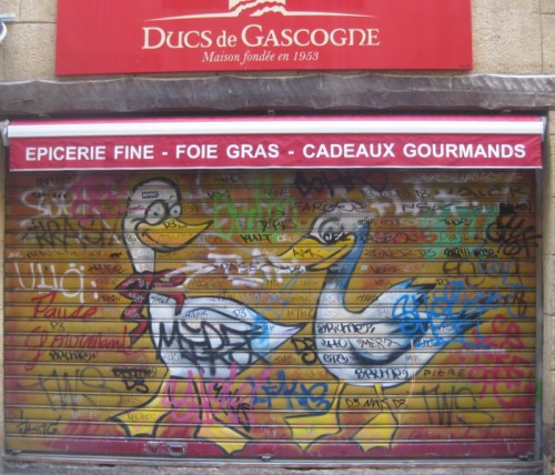 Oh dear, these ducks don't realise what is being sold in this shop just off Place Richelme