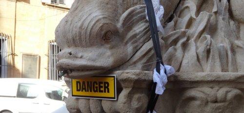 dauphins-vandalise